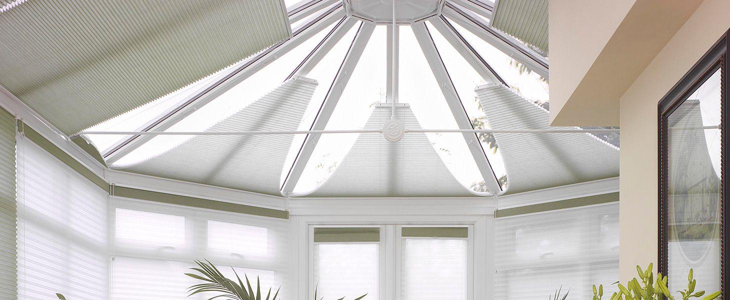 Шторы плиссе - серия 39 на потолочные окна и зимние сады (электропривод)