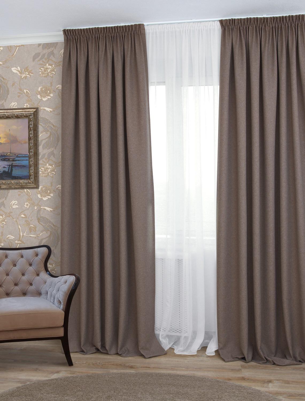 красной дорожке плотные шторы в гостиную фото постройка смотрелась аккуратно